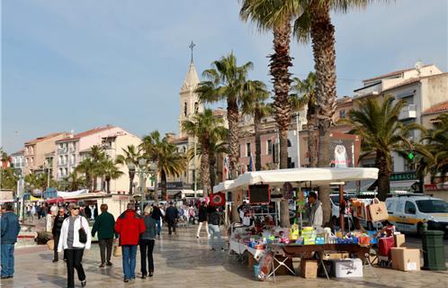 Le port de sanary typique et authentique - Office du tourisme sanary sur mer ...